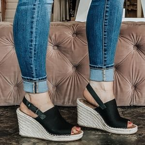 Toms monica wedge new without box